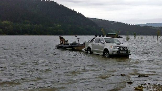 1-barca la apa 1